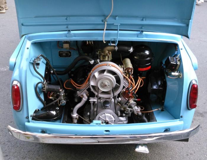 Кто ж не знает, что движок у Запорожца сзади. /Фото: ampercar.com