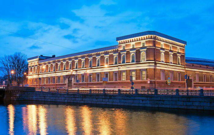 Военно-морской музей, г. Санкт-Петербург. /Фото: spbguidebook.ru