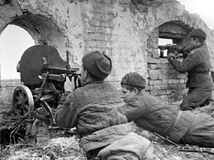Идею двойной защиты телогрейками придумали во время Сталинградской битвы. / Фото: absoluttv.ru