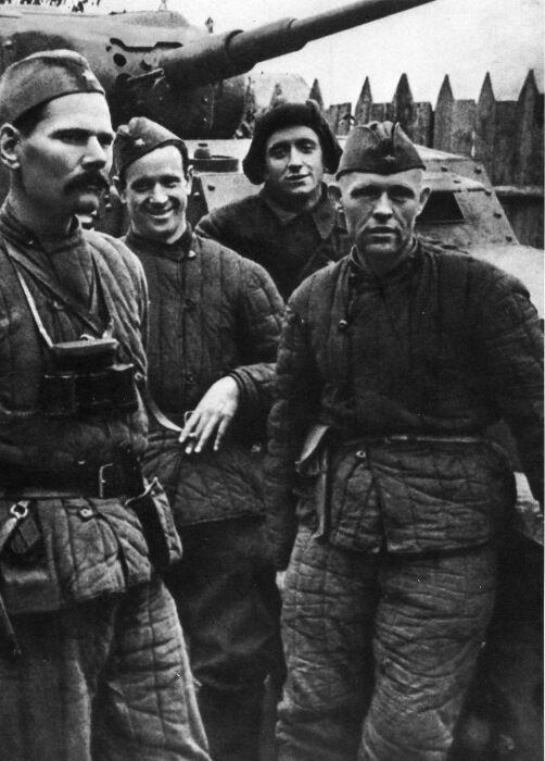 У бравых танкистов были свои требования к телогрейкам. /Фото: broneboy.ru