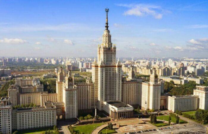 Старейшее российское издательство. /Фото: hoteltourist.com