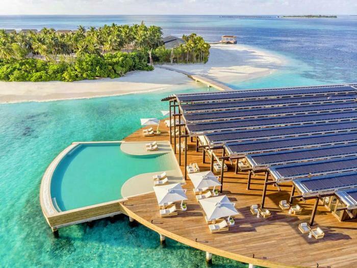 Туристический комплекс оснащён достаточным количеством солнечных батарей. /Фото: maldives-magazine.com