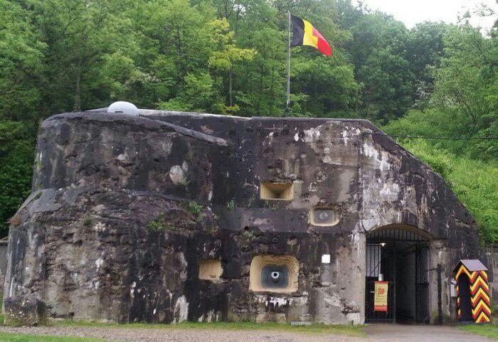 Форт Эбен-Эмаль, современный вид. /Фото: straniciistorii.ru