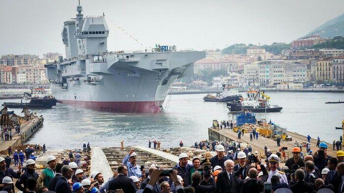 Итальянский УДК Trieste во время спуска на воду. /Фото: livejournal.com