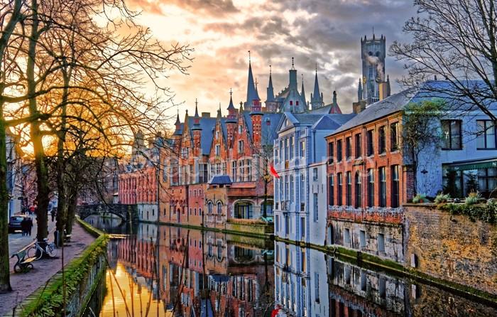 Некоторые считают, что Брюгге даже красивее Венеции. /Фото: adelaida.pro