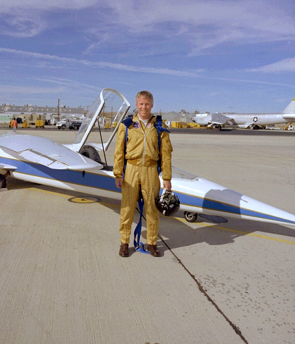 Пилот Ричард Грей во время испытаний самолета. /Фото: wikipedia.org