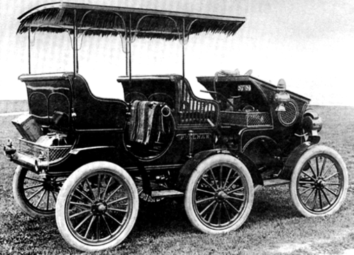 Первый в мире шестиколесный автомобиль. /Фото: wikipedia.org