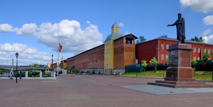 Современный Смоленск не только показывает чудеса отстраивания, но и радует глаз сохранившимися историческими сооружениями. /Фото: wikimedia.org