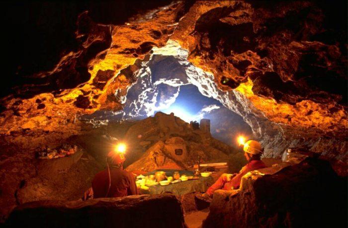 Как люди прожили столько месяцев в подобных условиях - загадка. /Фото: atlasobscura.com