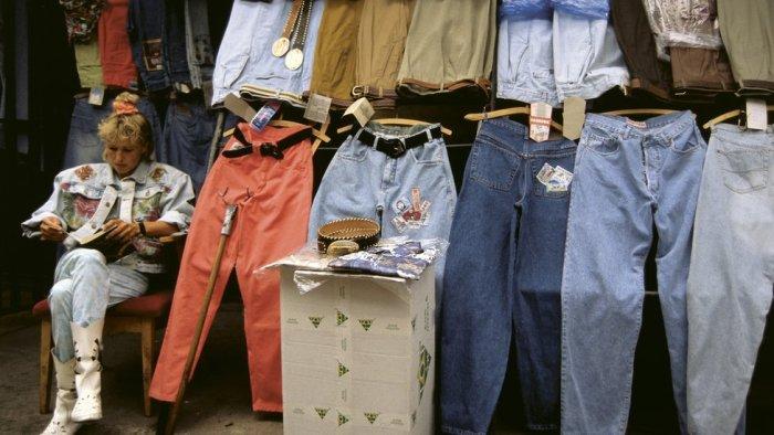Поход на рынок - неотъемлемая часть бытия в 90-е. /Фото: bbc.com