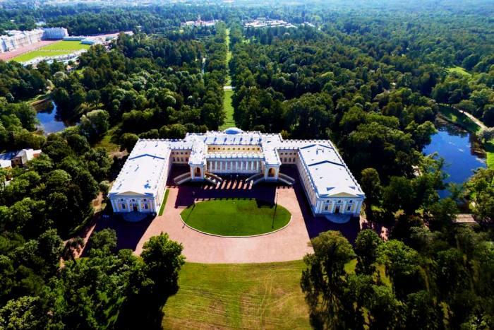 Александровский дворец, вид сверху. /Фото: putidorogi-nn.ru