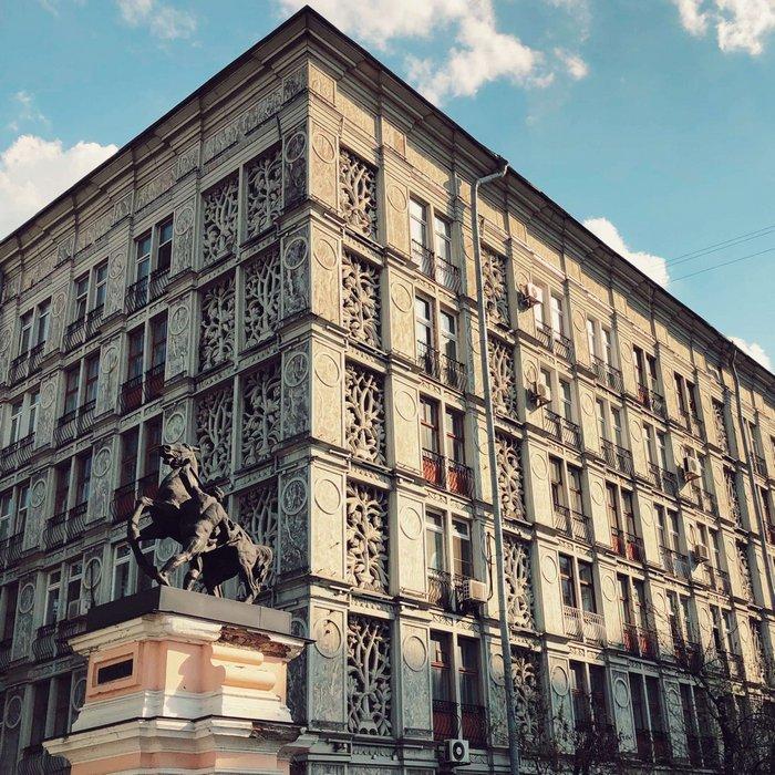 Ажурный дом считается самым первым панельным жилым зданием в СССР. /Фото: mos-holidays.ru