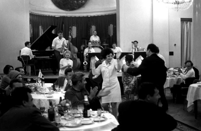 Отрывались в ресторанах в основном представители советской элиты. /Фото: cnews.com