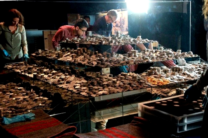 Сокровищ было несметное количество. /Фото: auction.violity.com