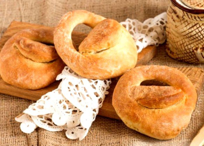 Калачи сегодня - практически легенда: все о них слышали, да мало кто пробовал. /Фото: russianfood.com