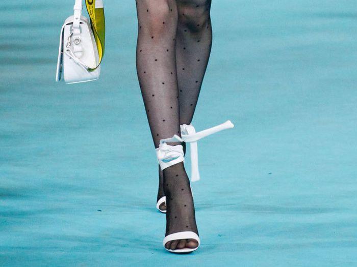 Много лет такое сочетание считалось моветоном. /Фото: shoes.ua