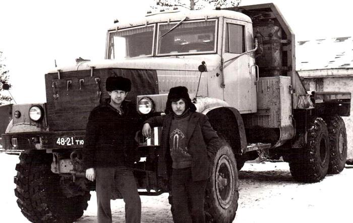 Найти лишний набор резины на грузовики было еще сложнее, чем на легковушки. /Фото: quto.ru