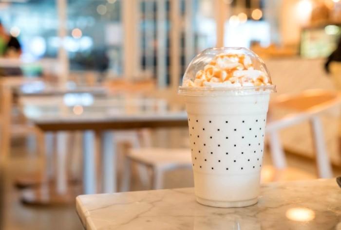 Количество сахара в молочном коктейле - запредельное. /Фото: freepik.com