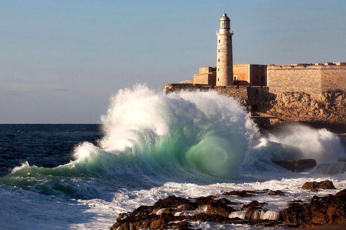 Эль-Морро не пустует и сегодня. /Фото: elegantgates.com