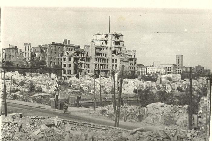 Разрушенный бомбардировками союзников Кёнигсберг. /Фото: chernyahovsk.ru