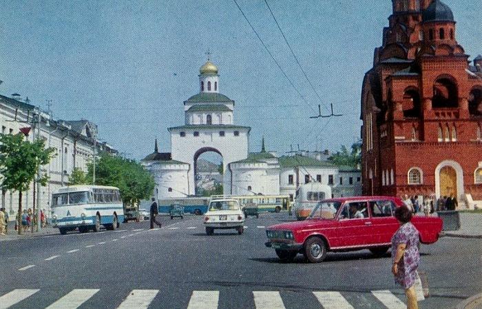 Даже фотографий советского периода с зебрами не так много - они распространялись медленнее, чем могло бы. /Фото: drive2.ru