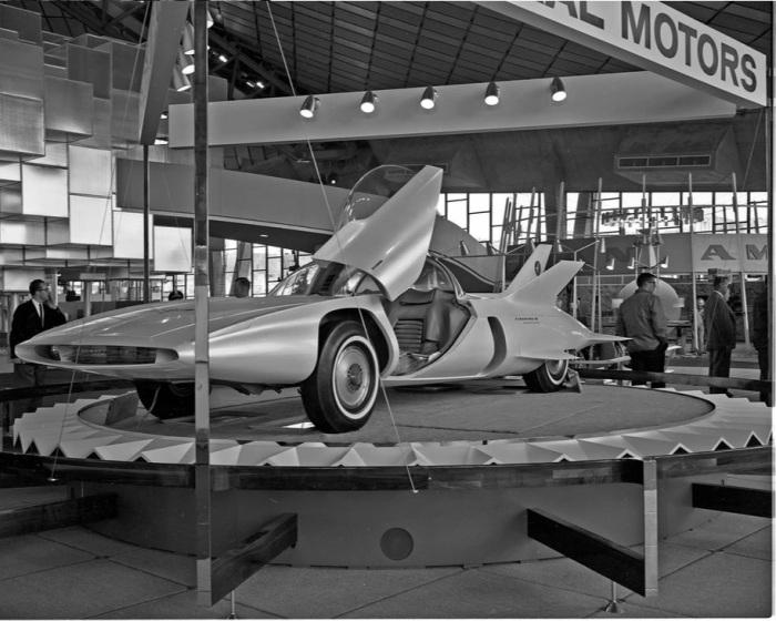 Концепт-кар одной из первых беспилотных машин. /Фото: habr.com