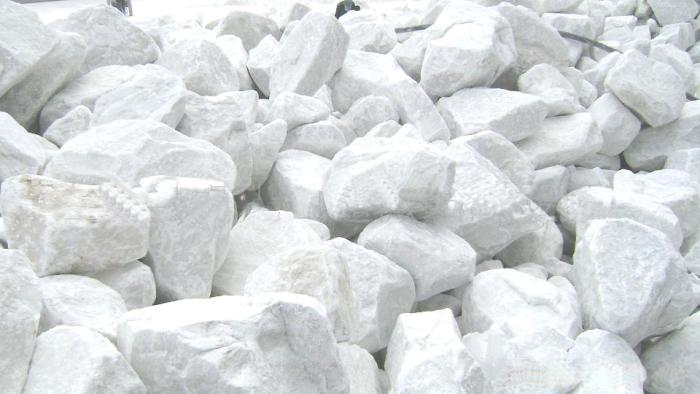 Решением проблемы оказался карбонат кальция. /Фото: himya.ru