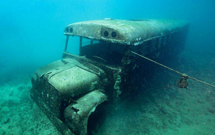 Один из самых оригинальных подводных экспонатов. /Фото: sportdiver.com