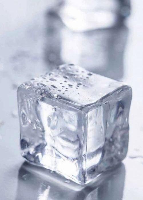 Нет в доме холодильника? Запаситесь льдом! /Фото: pinterest.de