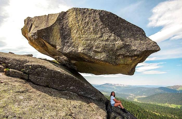 Загадка их балансировки до сих пор не раскрыта. /Фото: travelask.ru