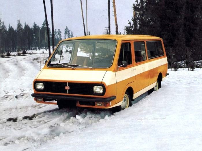 Самый знаменитый советский микроавтобус. /Фото: kolesa-uploads.ru