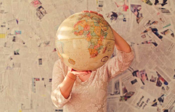 Политическая карта мира - это тривиально.