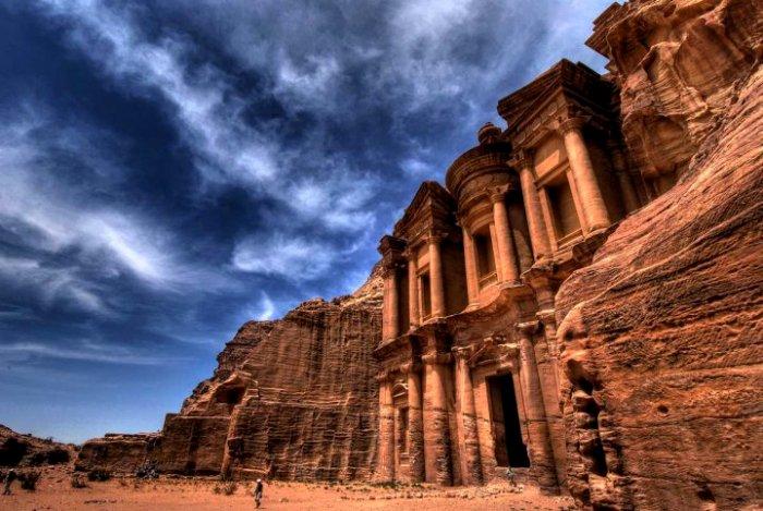Один из древнейших городов, высеченных в скале. /Фото: free-eyes.com