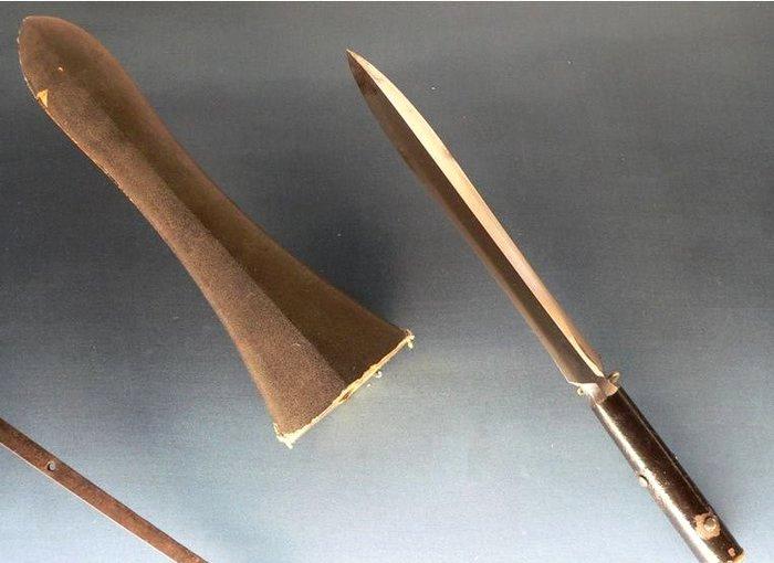 Яри с ножнами для наконечника. /Фото: livejournal.net