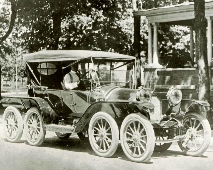 Шесть колес мало - попробуем восемь. /Фото: silodrome.com
