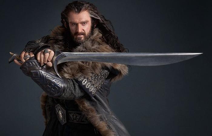 С исторической точки зрения двуручного меча в большинстве фильмов вообще не должно быть.  /Фото: pikabu.ru