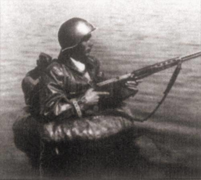 На воде и под водой защищали Ленинград так же отважно, как и на суше. /Фото: sail-friend.ru