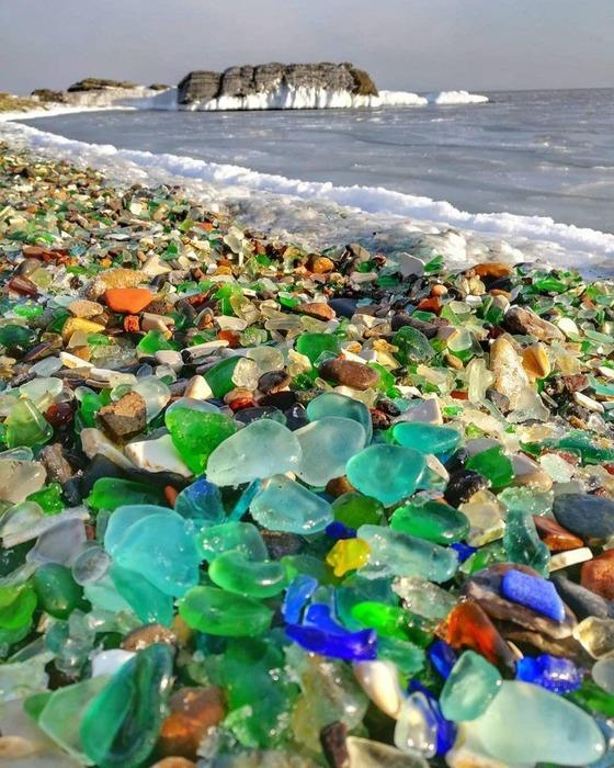 Оригинальный пляж есть и на отечественных просторах. /Фото: twitter.com