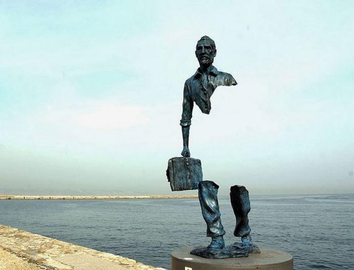 Серия красивых и философских статуй. /Фото: ochmanity.com