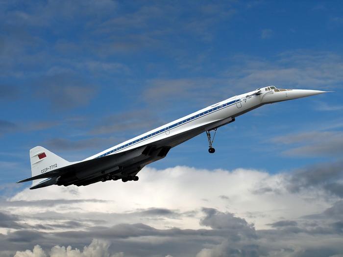 Тот случай, когда один самолет старше другого всего на 2 месяца. /Фото: russian7.ru