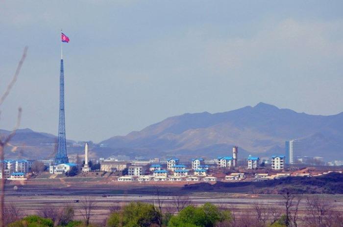 Северокорейский деревенский рай, которого, по сути,не существует. /Фото: esosedi.org