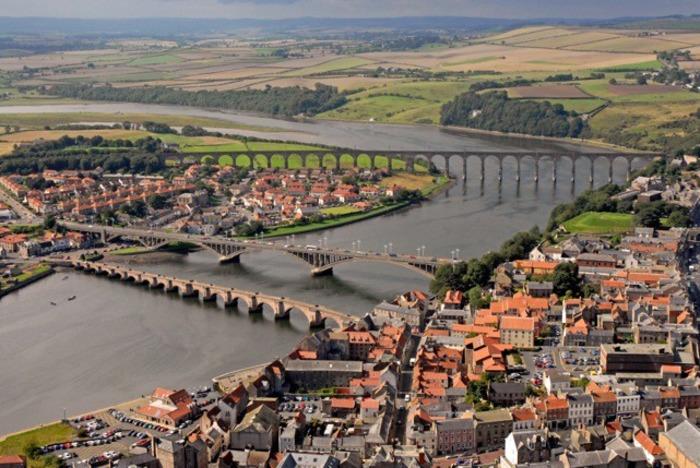 Маленький, но очень гордый город Берик. /Фото: fishki.net