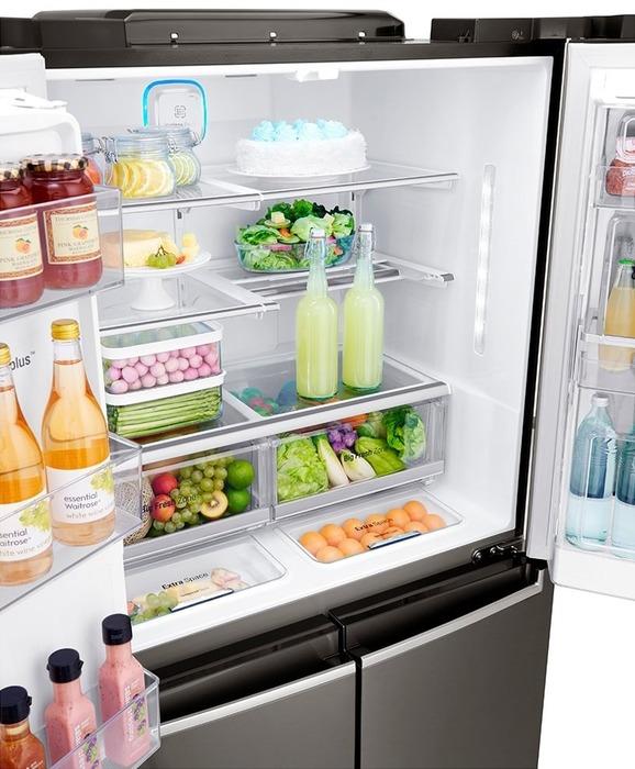 Часто мы пренебрегаем рекомендациями по размещению продуктов в холодильнике. /Фото: mzimg.com