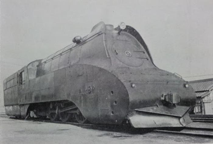 Один из первых японских скоростных поездов. /Фото: kokutetu.michikusa.jp
