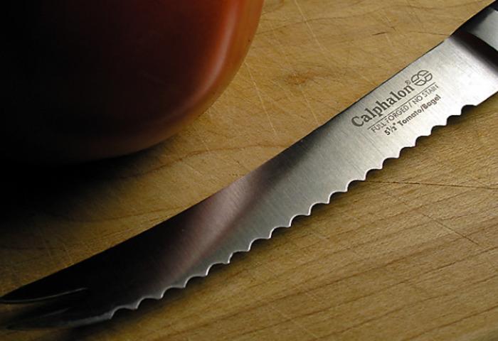 Такой ножик сгодится не только для хлеба. /Фото: smartcookingzone.com
