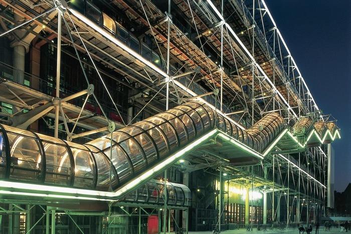 Лабиринт лестниц во французской столице. /Фото: www.vogue.fr