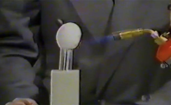 Демонстрация возможностей материала, кадр из телешоу. /Фото: theverge.com