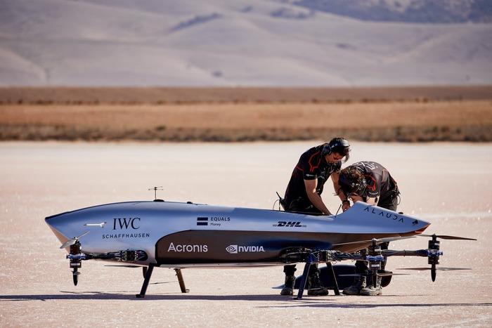 Машина готовится к первому взлёту, июнь 2021 года. /Фото: airspeeder.com