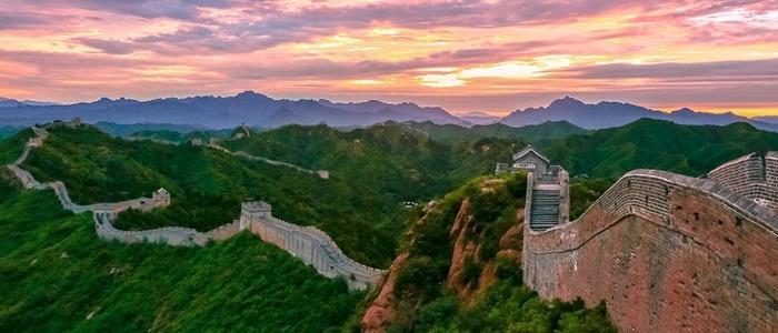 Великая Китайская стена, конечно, масштабная, но не настолько. /Фото: minval.az