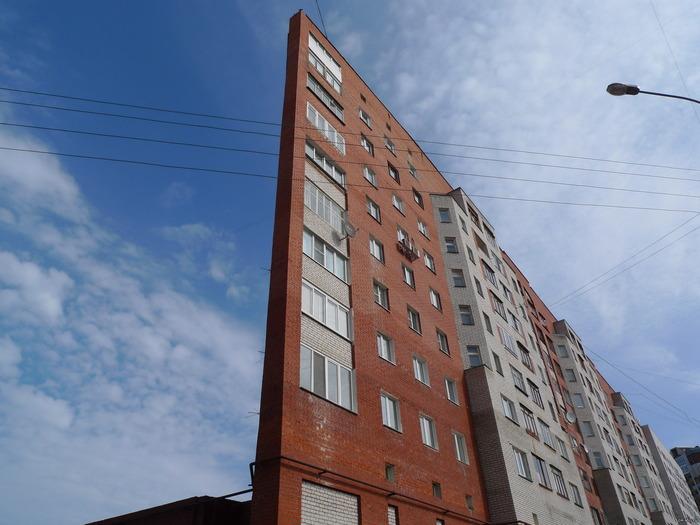 Дом-иллюзия есть и в Нижнем Новгороде. /Фото: pikabu.ru